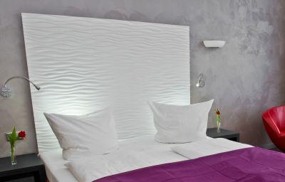 Artim-Berlin-Double_room_superior-2-89625.jpg