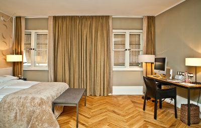 Cortiina-Munich-Double_room_standard-90726.jpg