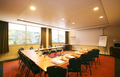 Holiday_Inn_PARIS_-_VERSAILLES_-_BOUGIVAL-Bougival-Conference_room-15-91268.jpg