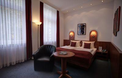 Hotel-West_an_der_Bockenheimer_Warte-Frankfurt_am_Main-Exterior_view-7-91728.jpg