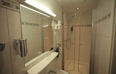 Hotel-West_an_der_Bockenheimer_Warte-Frankfurt_am_Main-Bathroom-5-91728.jpg