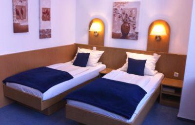 Hotel-West_an_der_Bockenheimer_Warte-Frankfurt_am_Main-Double_room_standard-10-91728.jpg