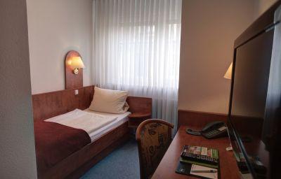 Hotel-West_an_der_Bockenheimer_Warte-Frankfurt_am_Main-ecoSingle-1-91728.jpg