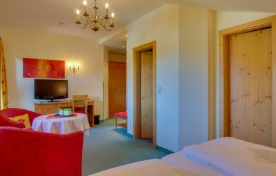 Zum_Gourmet-Seefeld_in_Tirol-Junior_suite-4-102385.jpg