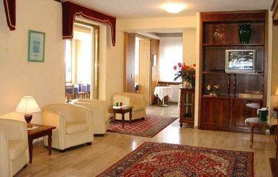 Vestíbulo del hotel Touring & Villa D'Este