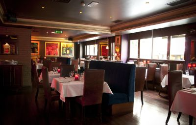 Kilkenny_Hibernian-Kilkenny-Restaurant_Frhstcksraum-103300.jpg