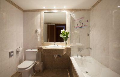 Bahia_del_Sol-Santa_Ponca-Bathroom-104509.jpg