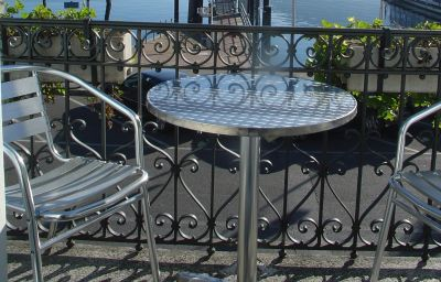 Millennium_Garni-Locarno-Room_with_a_view_of_the_lake-6-106370.jpg