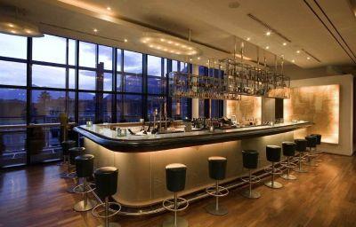 Bar del hotel The Penz