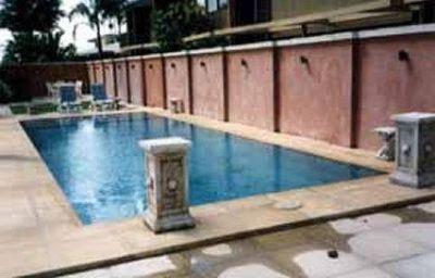Comfort_Inn_The_Rose-Mackay-Schwimmbad-1-106954.jpg