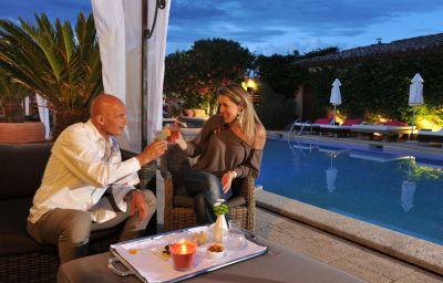 Hotel_Font_Mourier-Saint-Tropez-Pool-3-107313.jpg