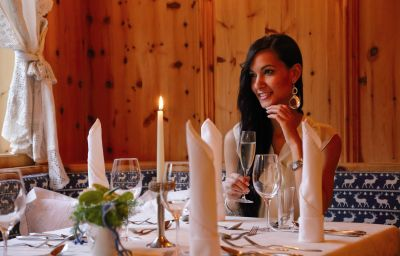 Aktivhotel_Waldhof_Ferienhotel-Oetz-Restaurant-2-108125.jpg