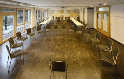 Aktivhotel_Waldhof_Ferienhotel-Oetz-Conference_room-8-108125.jpg