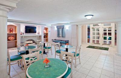 LA_QUINTA_INN_NORFOLK_HAMPTON_NEWPORT_N-Hampton-Hotelhalle-1-108659.jpg