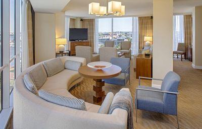 Hyatt_Regency_Baltimore-Baltimore-Suite-1-109379.jpg