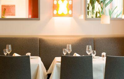 Restaurant/salle de petit-déjeuner Mercure Hotel Frankfurt Airport Neu Isenburg