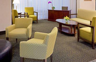 Vestíbulo del hotel Holiday Inn HASBROUCK HEIGHTS-MEADOWLANDS