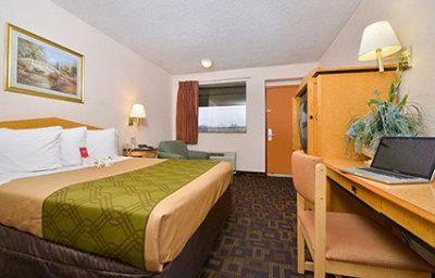Econo_Lodge_Bellmawr-Bellmawr-Room-14-119022.jpg