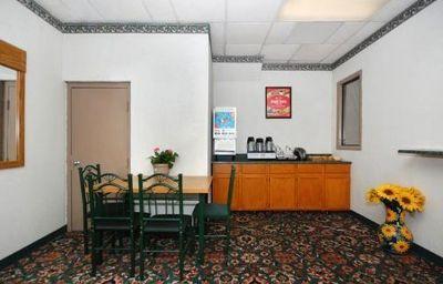 Econo_Lodge_Wormleysburg_-_Harrisburg-Wormleysburg-Restaurant-1-119173.jpg