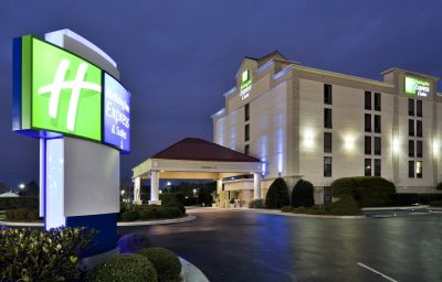 Holiday_Inn_Express_Suites_WILMINGTON-UNIVERSITY_CTR-Wilmington-Exterior_view-11-120051.jpg