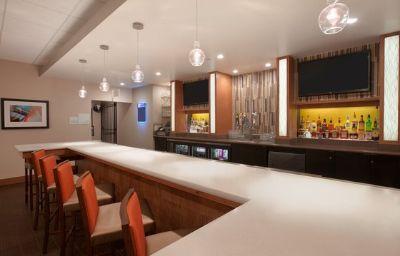 Holiday_Inn_PORTLAND-AIRPORT_I-205-Portland-Hotel_bar-3-121897.jpg