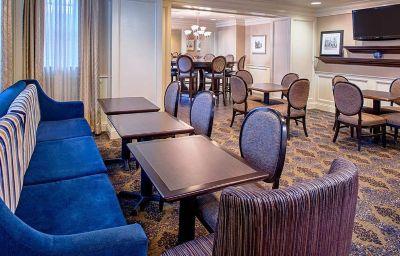 Hampton_Inn_-_Suites_Birmingham-Downtown-Tutwiler-Birmingham-Restaurant-1-126167.jpg