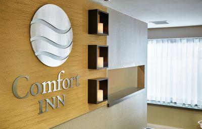 Hall Comfort Inn Airport East