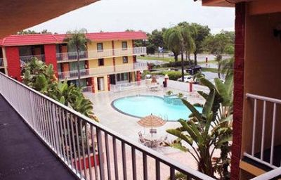 Vista esterna Comfort Inn & Suites at Tropicana Field St. Pete Beach (Florida)