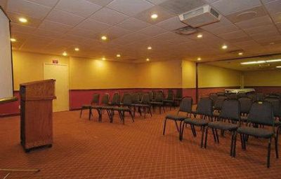 Comfort_Inn_North_Conference_Center-Columbus-Conference_room-4-132322.jpg