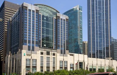 Embassy_Suites_Hotel_Chicago-Downtown-Chicago-Exterior_view-7-135699.jpg