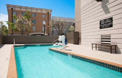 Embassy_Suites_New_Orleans_-_Convention_Center-New_Orleans-Pool-1-135782.jpg