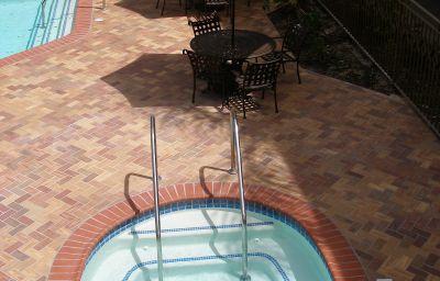 Holiday_Inn_Express_SIMI_VALLEY-Simi_Valley-Pool-5-136409.jpg