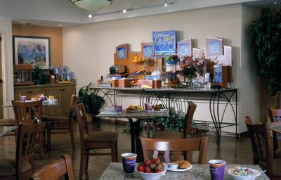 Holiday_Inn_Express_SIMI_VALLEY-Simi_Valley-Restaurant-2-136409.jpg