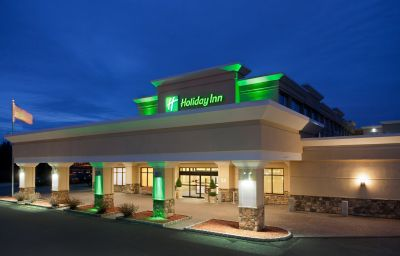 Holiday_Inn_Hotel_Suites_MARLBOROUGH-Marlborough-Exterior_view-5-137970.jpg