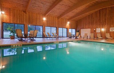 Holiday_Inn_Hotel_Suites_MARLBOROUGH-Marlborough-Pool-5-137970.jpg