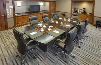 Hampton_Inn_-_Suites_Buffalo-Downtown-Buffalo-Conference_room-2-139000.jpg