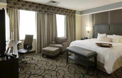 Hampton_Inn_-_Suites_Buffalo-Downtown-Buffalo-Room-3-139000.jpg