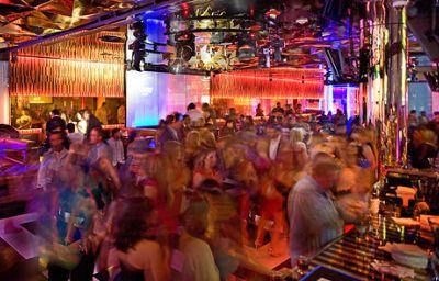 Crowne_Plaza_DALLAS_DOWNTOWN-Dallas-Hotel_bar-23-139151.jpg