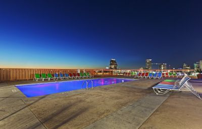 Swimming pool Crowne Plaza DALLAS DOWNTOWN
