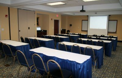 Hampton_Inn_Mt_Airy-Mount_Airy-Conference_room-6-139590.jpg