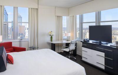 Room LOEWS PHILADELPHIA HOTEL