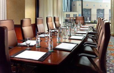 Sala de reuniones Omni Hotel at CNN Center