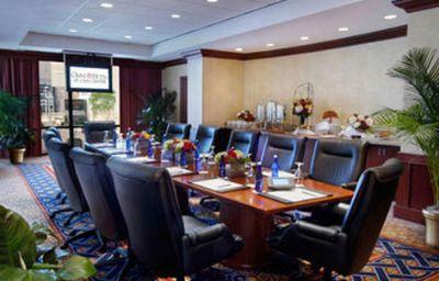 Omni_Hotel_at_CNN_Center-Atlanta-Conference_room-140060.jpg