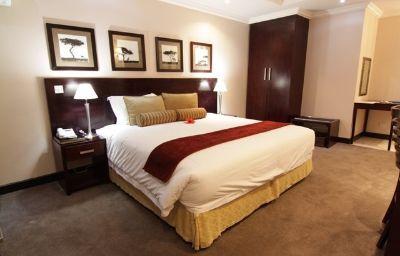 CRESTA_THAPAMA_HOTEL-Francistown-Room-142553.jpg