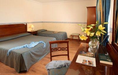 Alessandrino-Rome-Room-5-142841.jpg