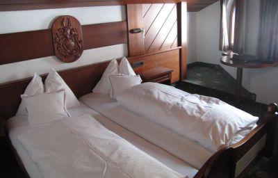 Tyrolis-Zirl-Double_room_standard-1-142849.jpg
