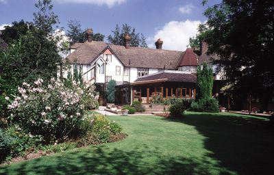 Bobsleigh-Hemel_Hempstead-Hotel_outdoor_area-1-143338.jpg