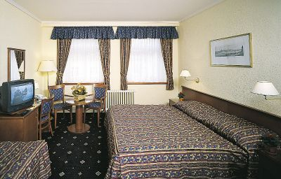 Arbes-Prague-Room-2-143589.jpg