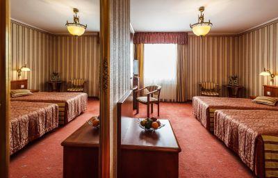 Henlex-Poznan-Superior_room-2-143956.jpg