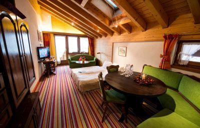 Hotel_Daniela-Zermatt-Apartment-2-144204.jpg